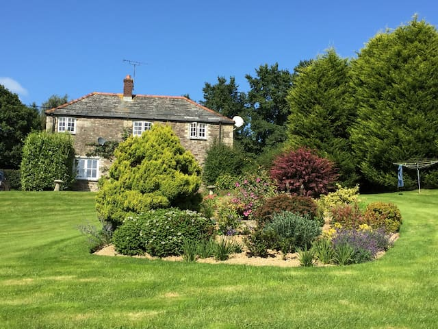 Farmhouse B&B -Single Room - Withiel - Bed & Breakfast