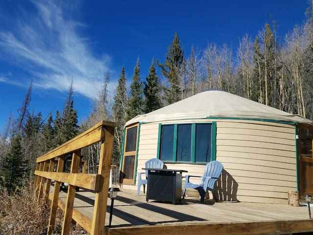 Nelson Mountain Yurt