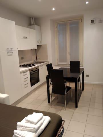 Monolocale Apartment Navigli (4 persone)
