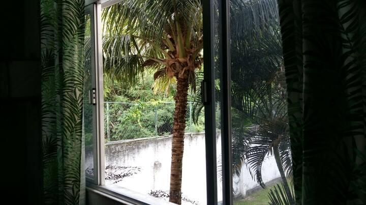 Apê com vista para Floresta e próximo ao Maracanã