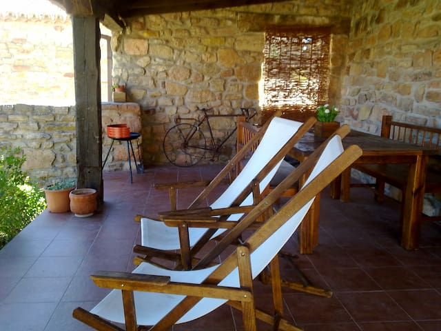 Beautiful rural house with gardan - Bujarrabal