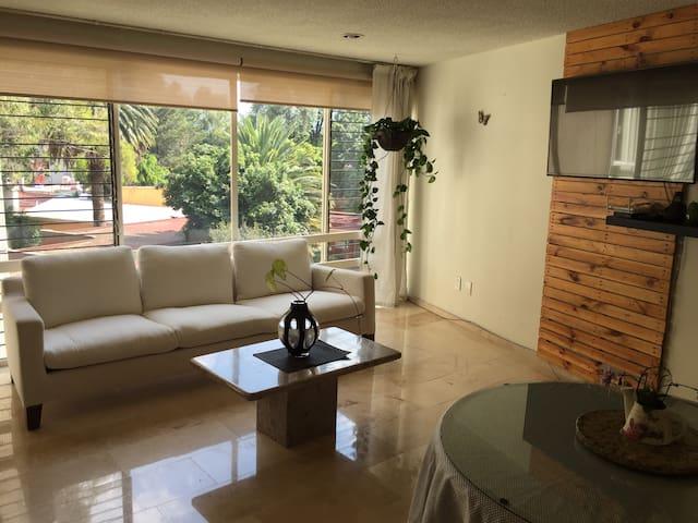 Habitación en amplio  departamento en Coyoacan