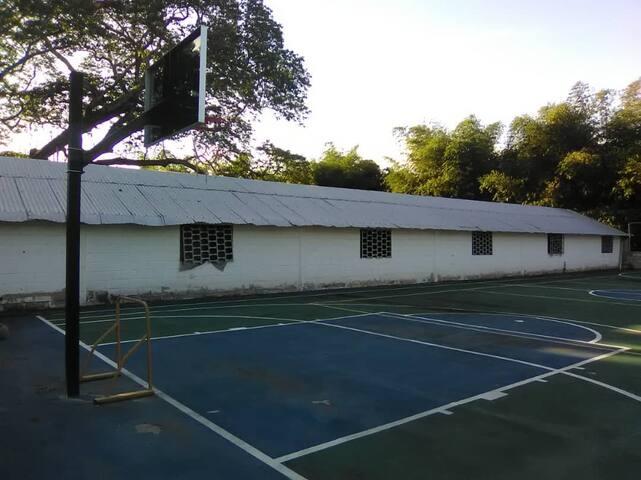 Casa-Granja SIT de Venezuela. Como en casa