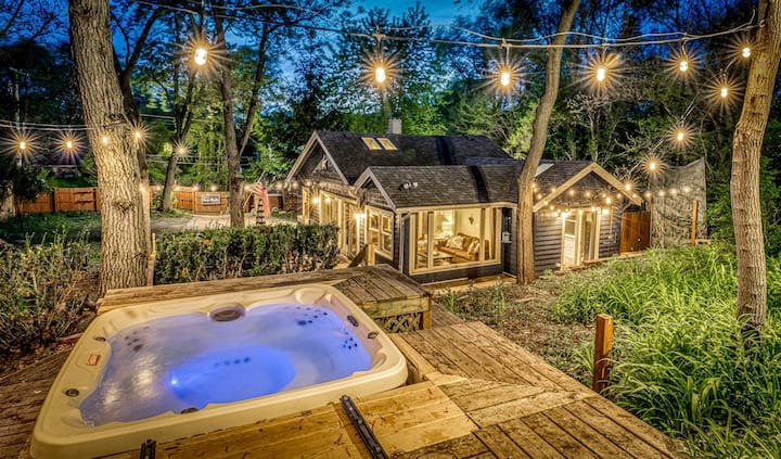Secluded, Fenced Cottage, Hot Tub, Fire Pit, Dog Friendly, Nat'l Park