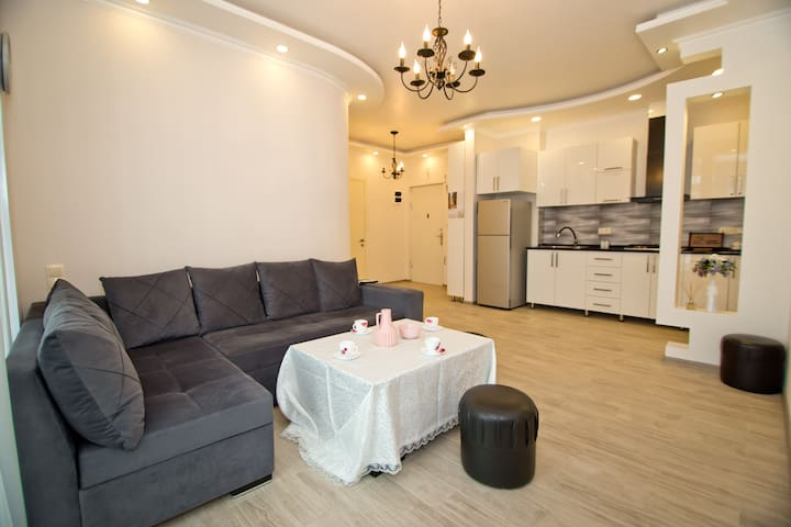 Mishka's Stylish Brand-new Aparment 50M From Beach