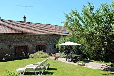 Maison de vacances cosy avec terrasse en Bourgogne, France