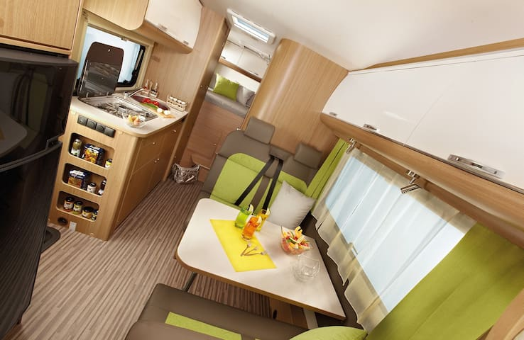 Luxury 6 berth Motorhome near Bristol and Airport - Chew Magna - Karavan