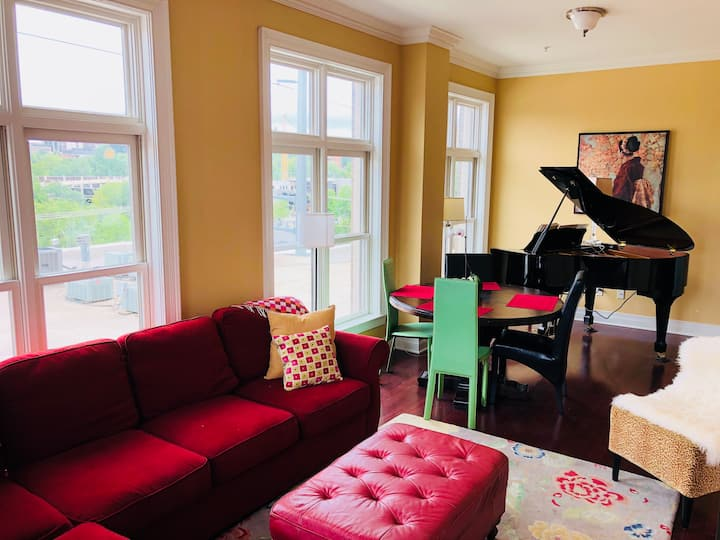 The Dickson Piano Loft | Steps from UofA Campus!