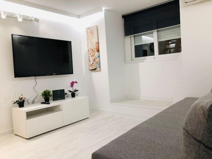 Cozy apartment Malasaña  /Gran Vía/  Free Parking