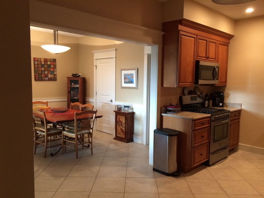 Openess of kitchen to dining living area
