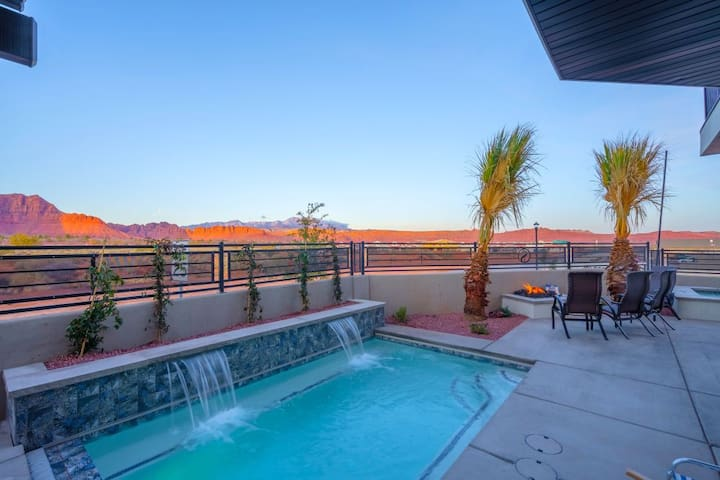 31| Pool Palace in St George with Snow Canyon View