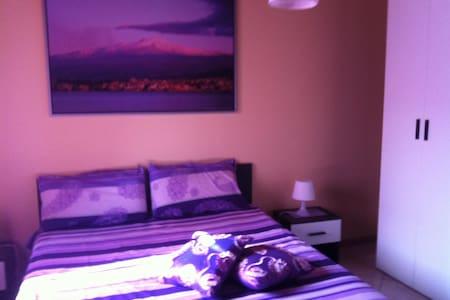 Appartamento indipendente da Lory - Chianchitta-pallio