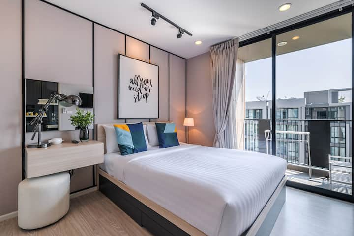Luxury condo in Nimman by Belcarra Spaces (F809)