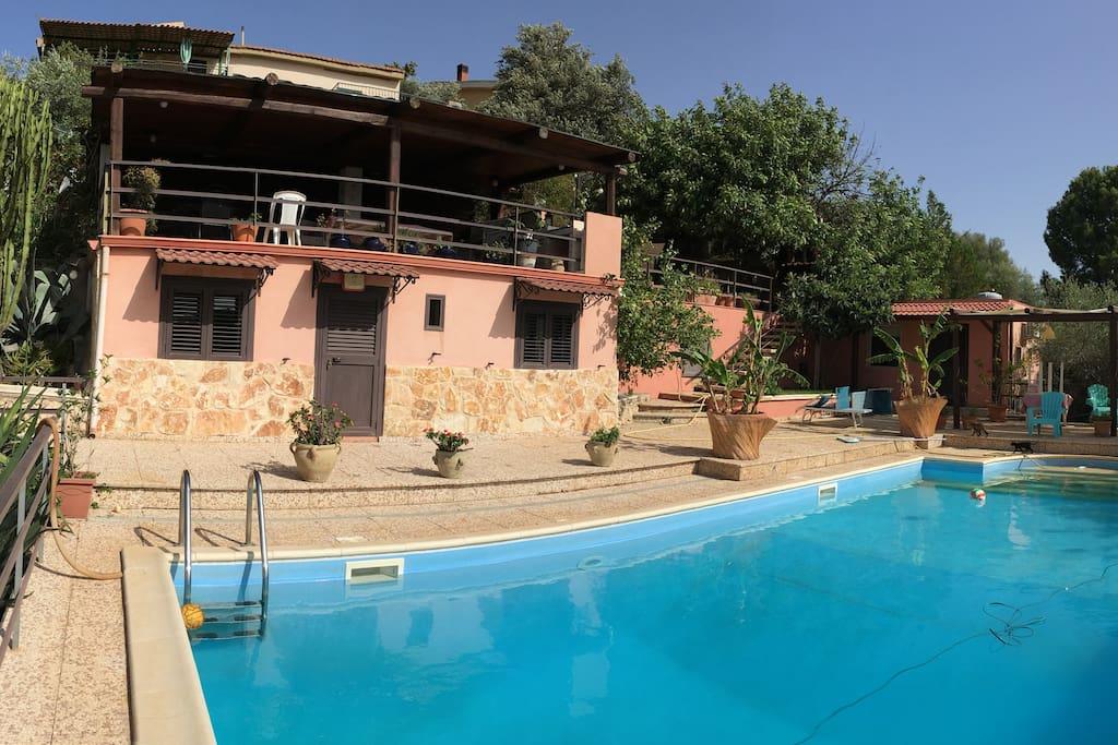 Villa con piscina max relax piscina al sale villas for - Villa con piscina sicilia ...