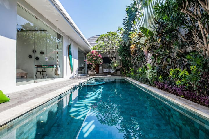 Amazing 2BR Luxury Private Villa next to Seminyak