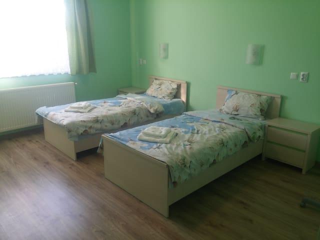 Раздельные кровати, Wi-Fi, отчётные документы