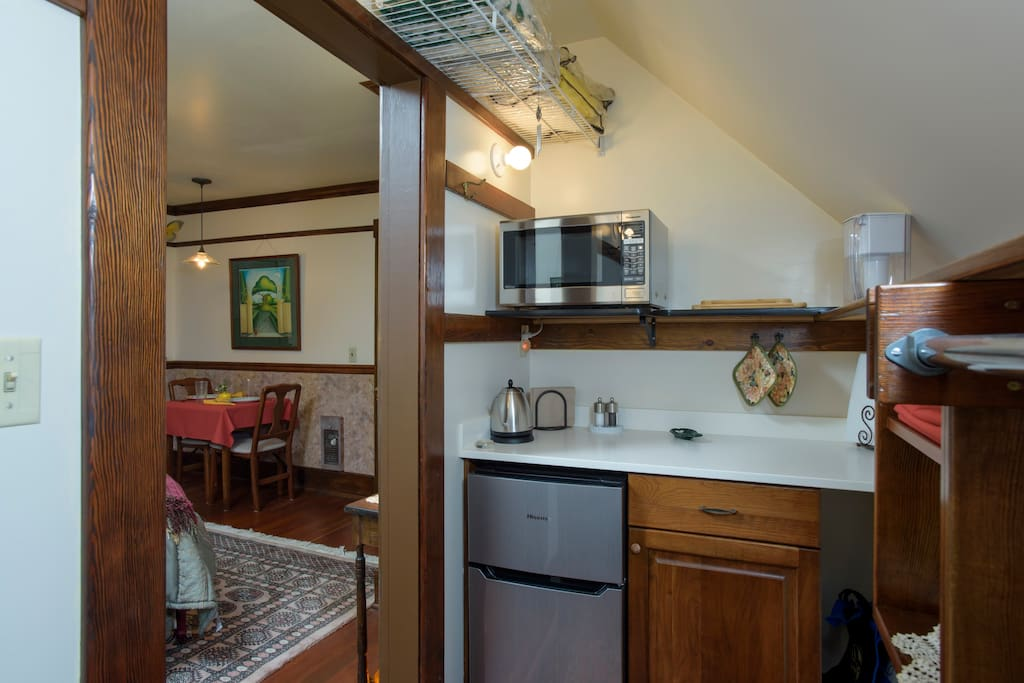 View of the mini kitchenette in the walk in closet.