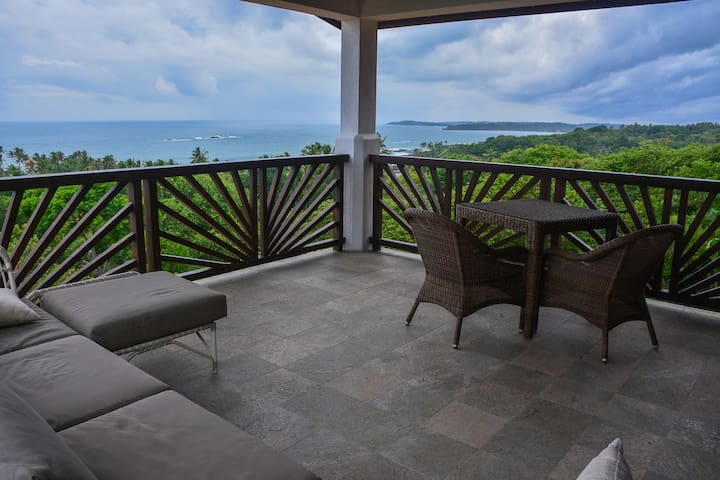 Huge Suite with FANTASTIC Panoramic View