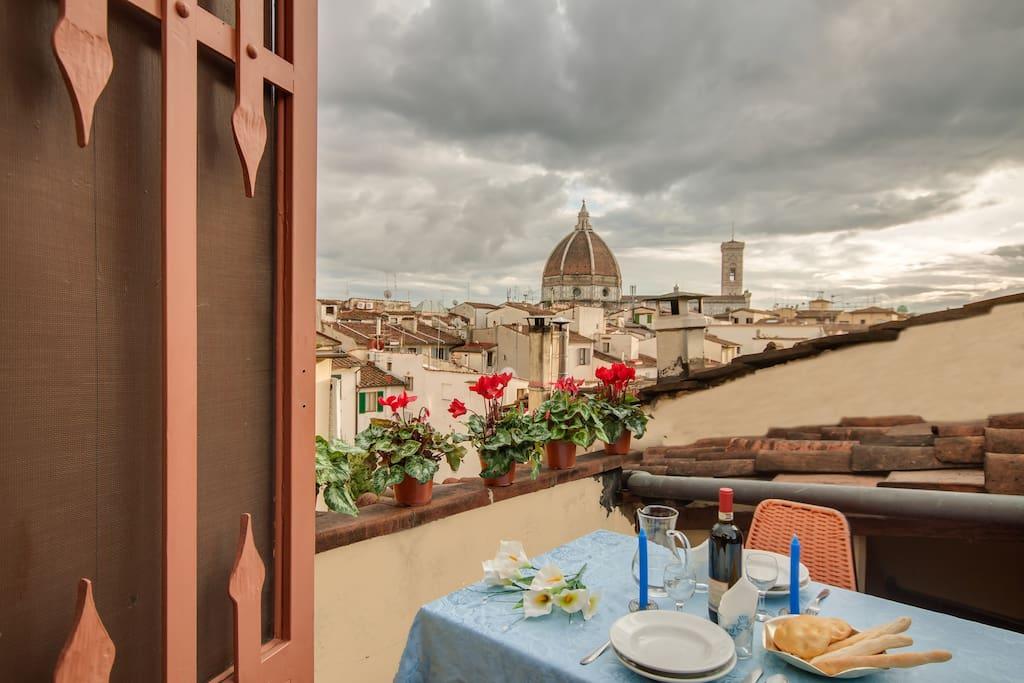 Lovenest with terrace duomo view apartments for rent in for 5652 florence terrace