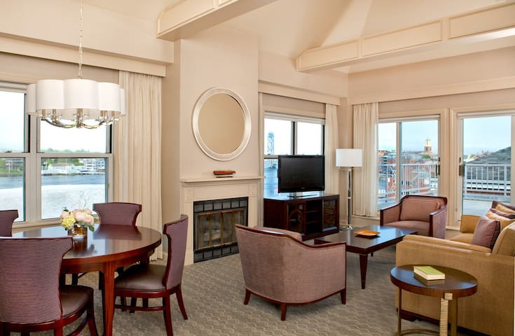 Harborside Suites at the Sheraton Portsmouth