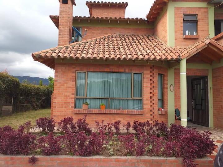 Hermosas habitaciones en casa en Cajicá.