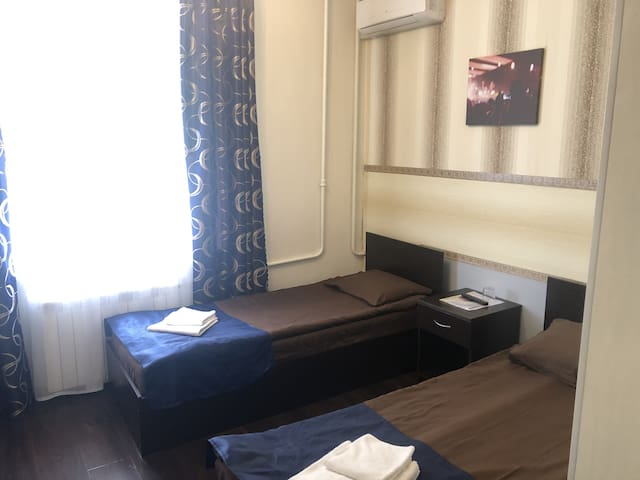 BUDGET ROOM WITH ONE OR TWO SEPARATE BEDS