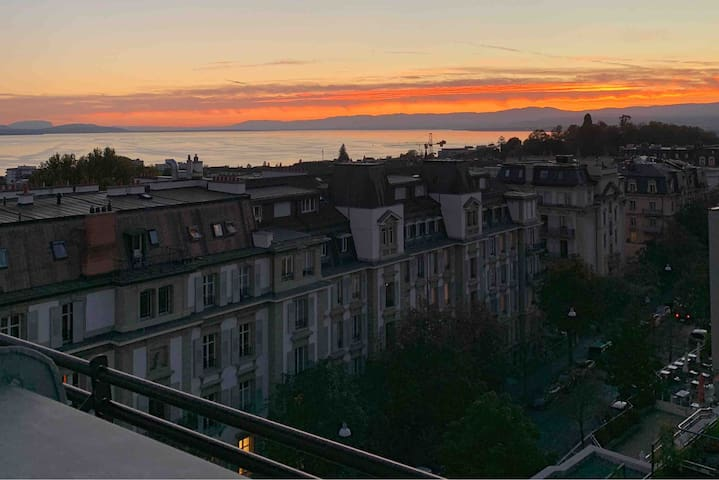 Sunny Escape in Lausanne with Lake view
