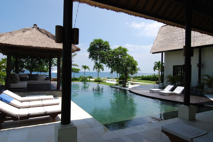 Villa Senja - Luxury and Privacy Lovina North Bali - Seririt