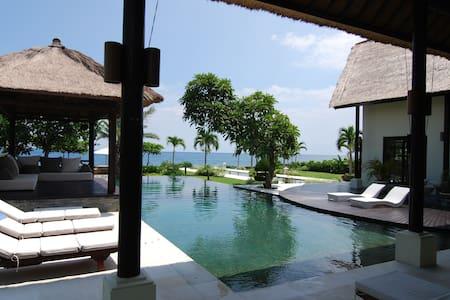 Villa Senja - Luxury and Privacy Lovina North Bali - Seririt - 别墅