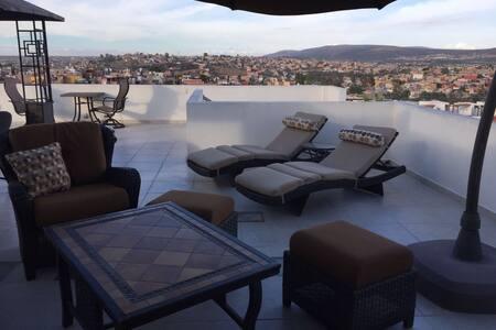 Depa c/roof garden increíble vista - San Miguel de Allende