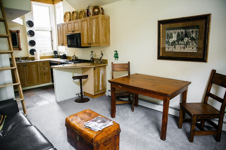 Best Location Townhome - in Town-Skiin/out