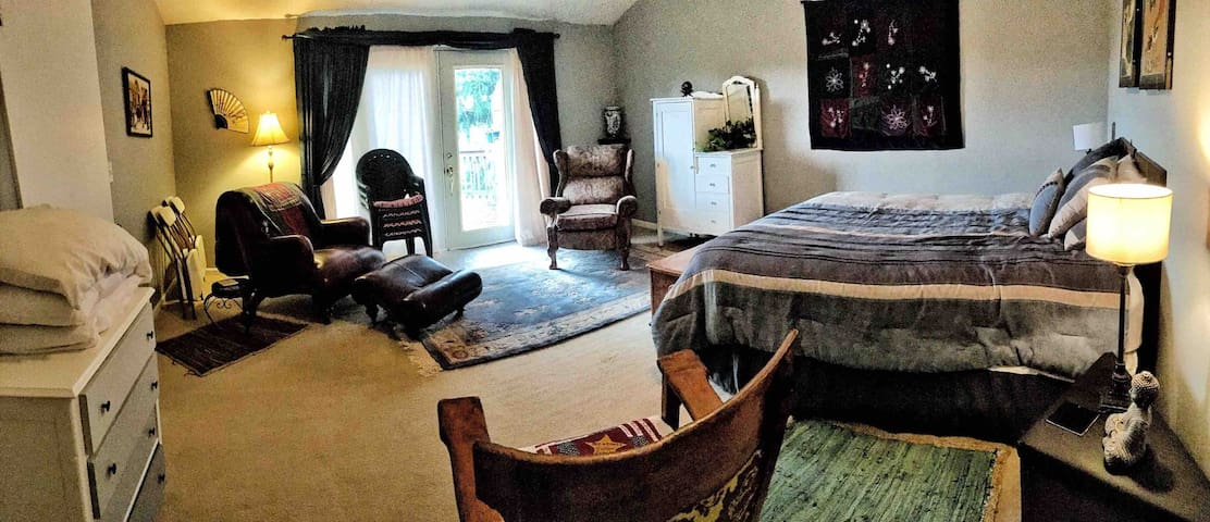 Ridgetop Retreat - Lg Private Suite