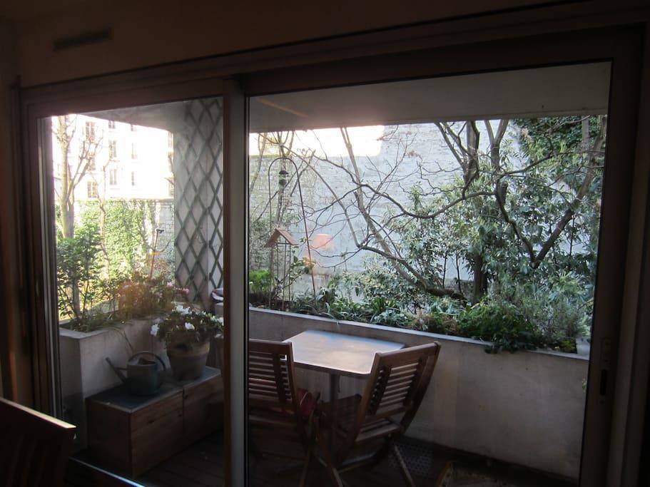 Le balcon dinatoire et fumeur.