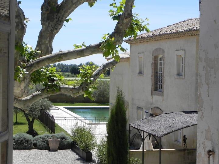 Superbe appartement dans un Mas provençale.