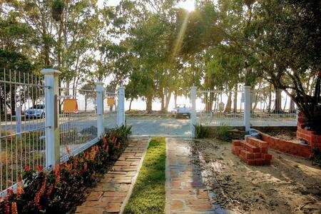 Arambaré, aptos frente para a lagoa