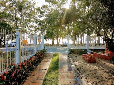 Arambaré, aptos de frente para a lagoa (2)