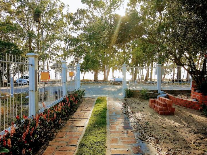 Arambaré, aptos de frente para a lagoa (1)