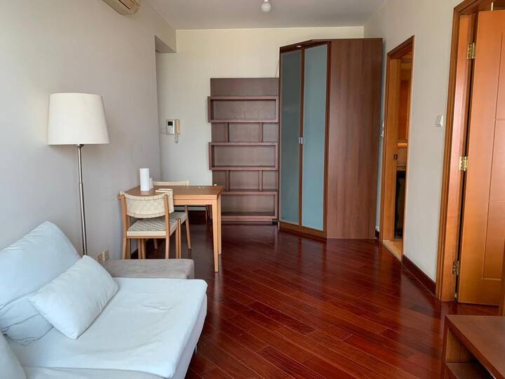 TOP LOCATED APT IN THE HEART OF HK