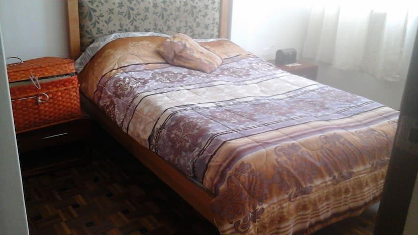Acogedora habitacion con sistema de sueño Nikken