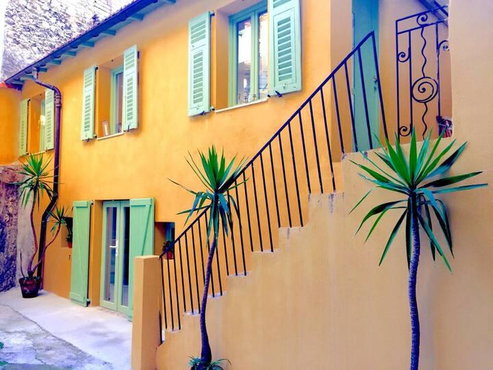Unique ! Maison au cœur du Port de Nice
