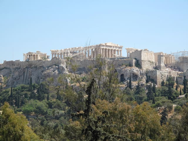 Lux Apartment with Acropolis View in City Center
