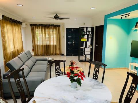 5-8pax KAJANG Luxury Homestay 4R3B - free Wi-Fi