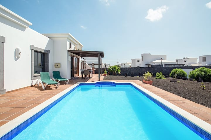 "Beautiful Holiday Home ""Casa Violeta"" with Terraces, Air Conditioning, Pool & WiFi; Parking Available"