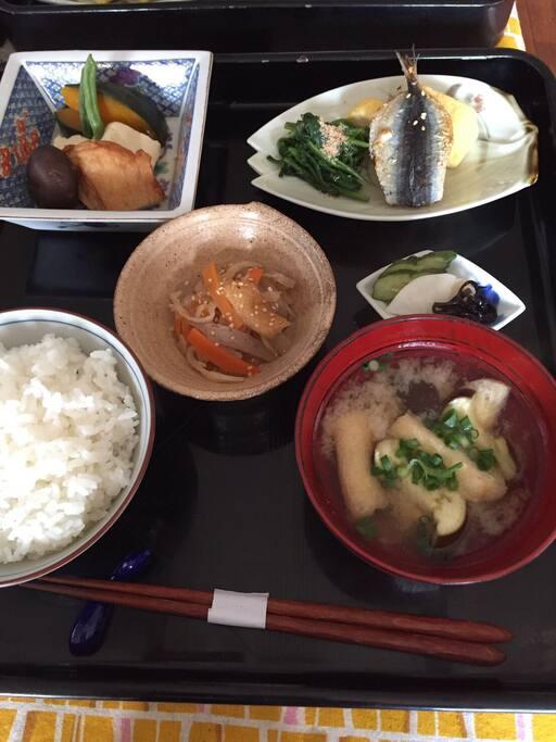 朝食 Japanese breakfast