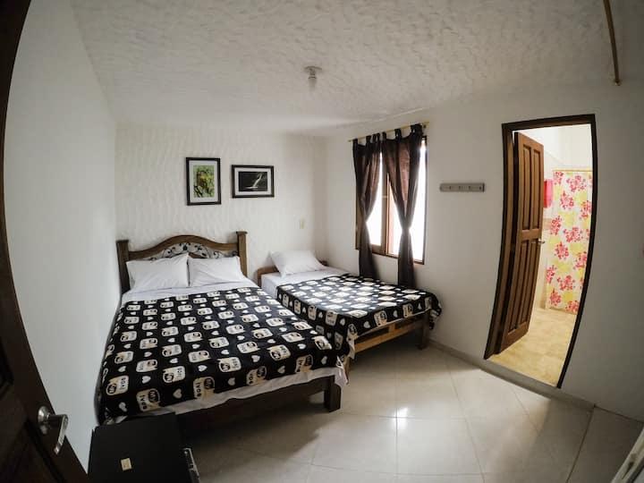 Habitación privada 1 - Fami Hotel Vive Jardín