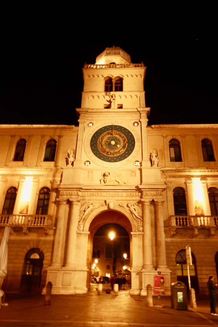the clock tower! Our meeting point!