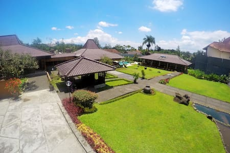 Villa Bango-Puncak, Stunning Villa up to 30people.