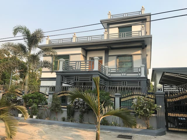 Big spacious house with affordable price