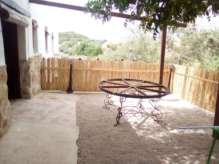 House with 2 bedrooms in Cabra, with wonderful mountain view, furnished terrace and WiFi