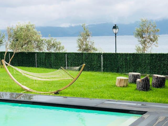 Villa by the sea ,with private pool near Loutraki